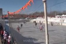 В исправительной колонии Хабаровска заключённые сыграли с хоккеистами